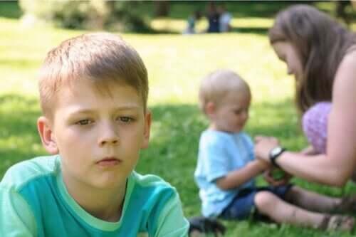 子どもたちの嫉妬心を放置するとどうなる?