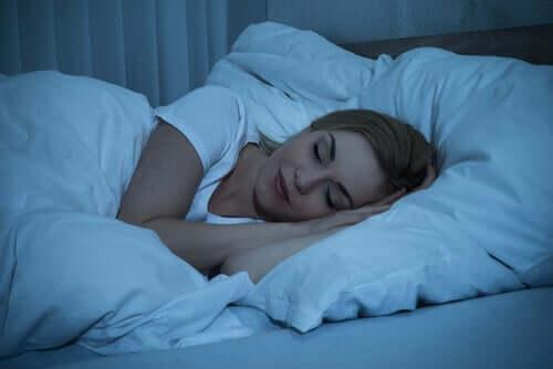 夜間の睡眠の質 環境 影響