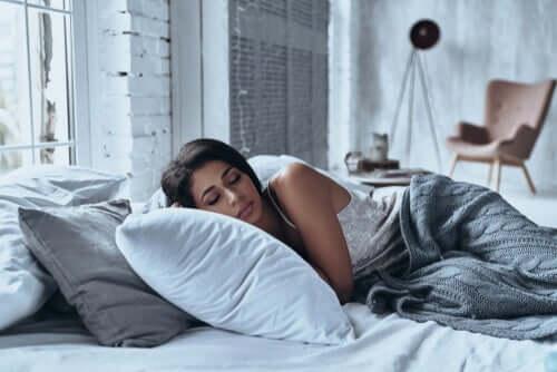 夜間の睡眠の質に環境がもたらす影響とは?