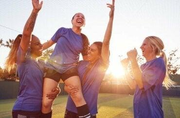 スポーツと女性:より一層明白となった「ガラスの天井」