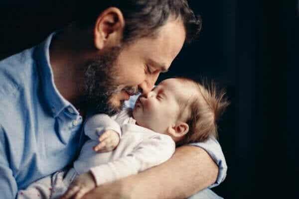 父親になると起こる可能性のあるホルモン変化とは?