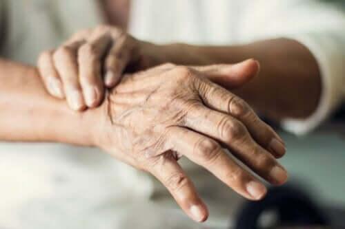 アルツハイマー病とパーキンソン病の違いについて