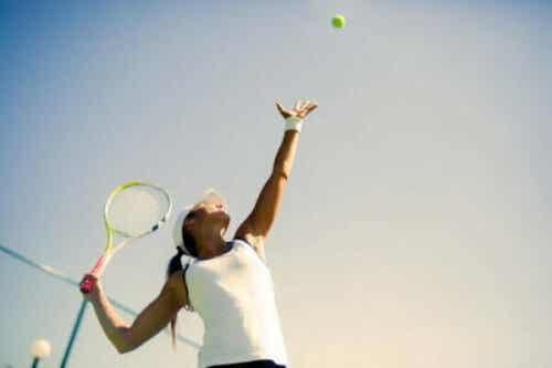 テニスの心理学と、その精神的闘いに勝つ方法