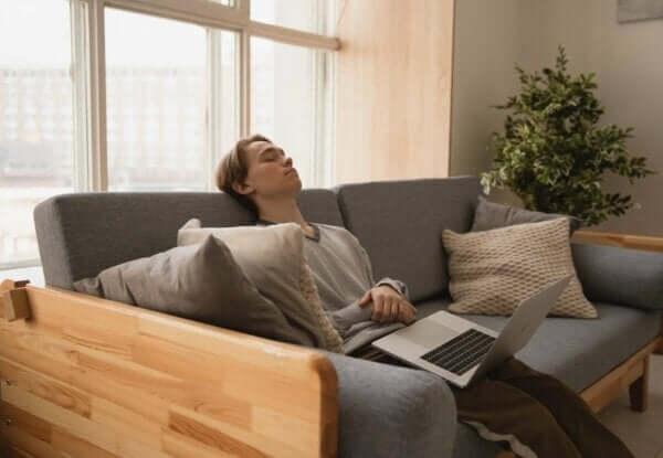 過度の眠気 原因