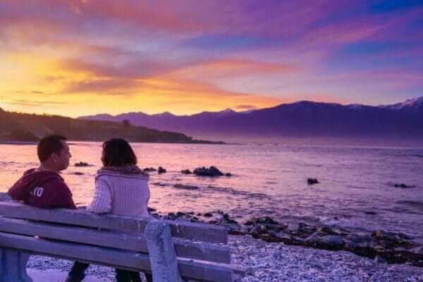 感情的な結びつき:出会いを実現する場所