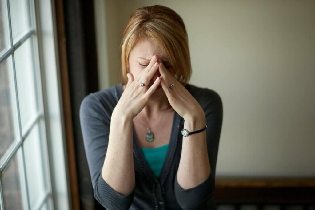 情緒的危機の4つの段階とは?