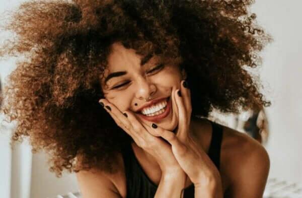 幸せホルモンとは?それぞれの働きや特徴について