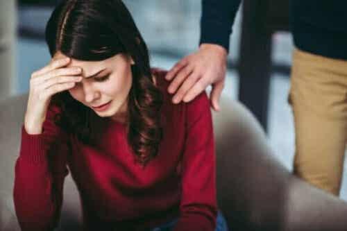 お悔やみの言葉を述べるのに最も適した方法とは?