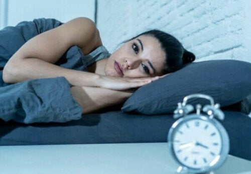 睡眠の中断は短時間睡眠よりも危険?