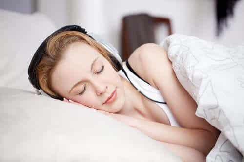 睡眠の質を高めるためのホワイトノイズ使用について