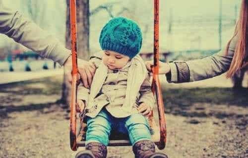 親権の種類と、それぞれの形が子どもに及ぼす影響