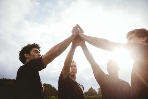 チームスポーツと個人の成長の関係とは?