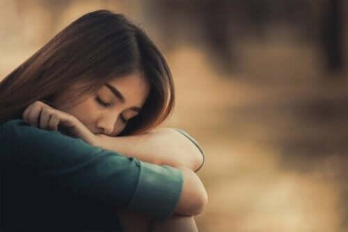 過酷な生い立ち 成人後 人間関係 影響