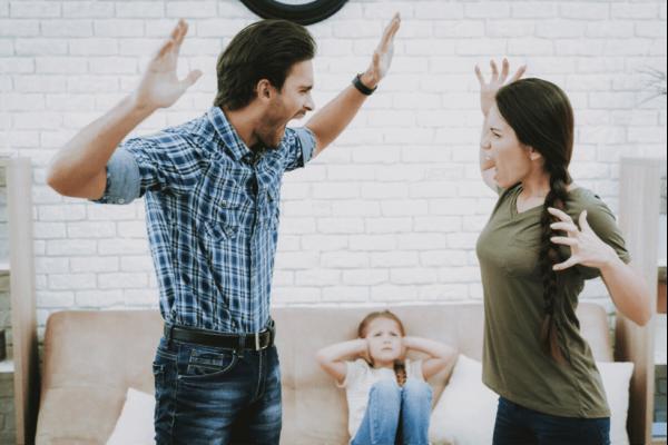 恋愛関係における暴力:負のサイクルを止めるには?