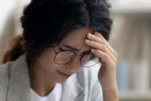 職場うつの症状・原因・治療